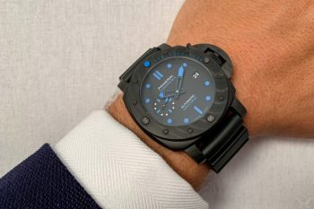 The male replica watch has black dial.