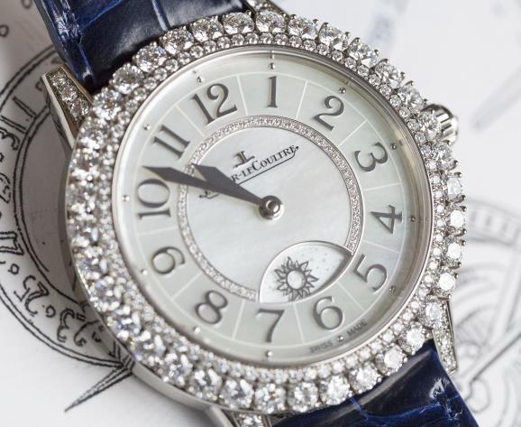 The diamonds on the dial present the brand's high level of craftsmanship.