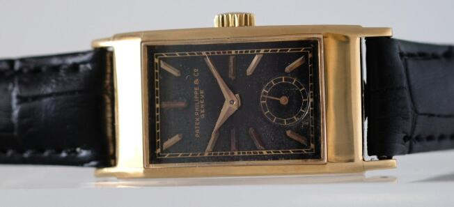 The rectangle case was very popular during the period of 1930s to 1940s.