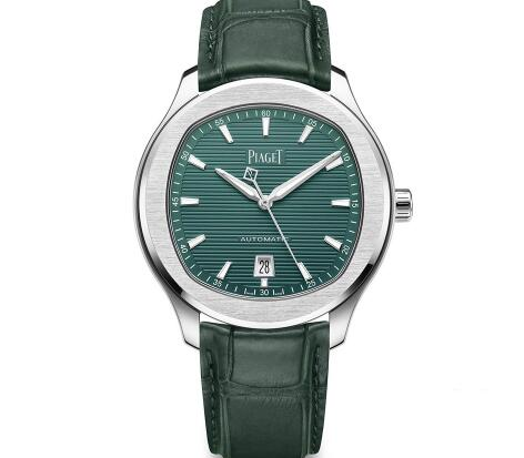 The dark green tone endows the Piaget the unique retro style.