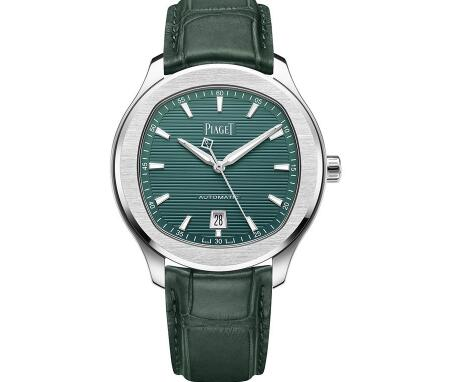 The green Piaget will make the wearers more charming and gentle.