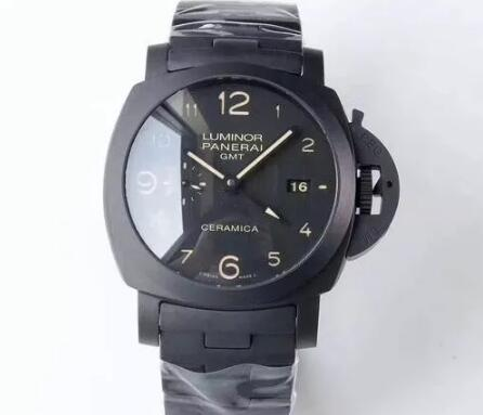 With the bold and strong appearance, this Panerai is appealing to all the strong men.